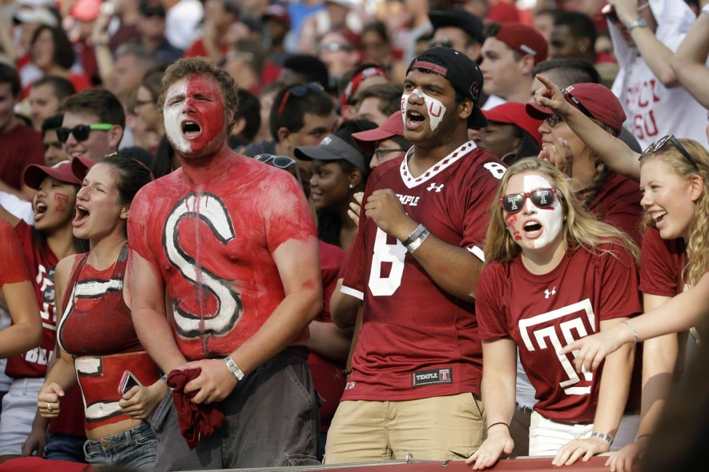 College-Football-Fans-Temple