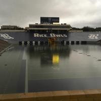 rice-stadium-rain