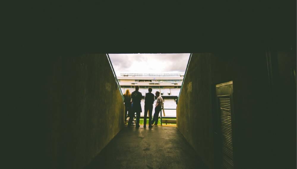 スタジアムの観客席へ続くトンネル